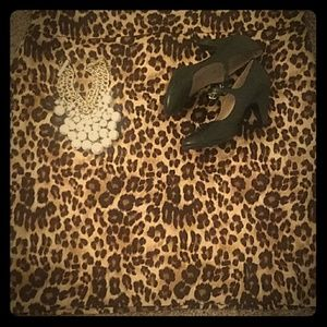 Plus size classic leopard skirt